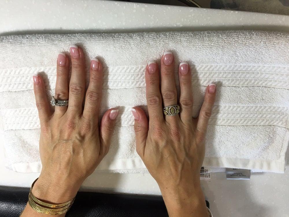 sns-pink-white